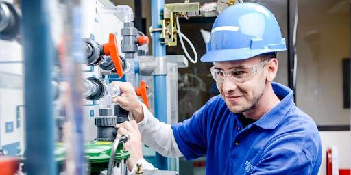 อาชีพที่น่าสนในในงานอุตสาหกรรม